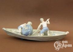 "Скульптура ""Юные рыбаки"""